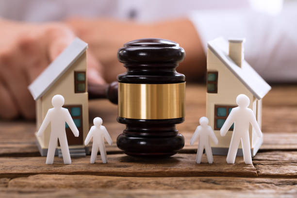 Top 5 Factors To Consider When Choosing The Best Family Lawyer